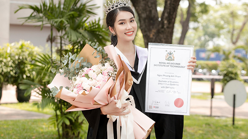 trang-chu-miss-international-dang-bai-chuc-mung-a-hau-phuong-anh-do-thu-khoa-dh-rmit