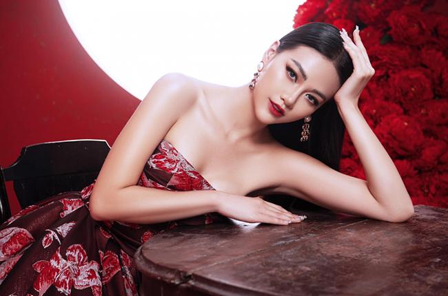 phuong-khanh-giup-hoa-hau-trai-dat-2018-gianh-giai-cuoc-thi-co-vong-phong-van-an-tuong-nhat