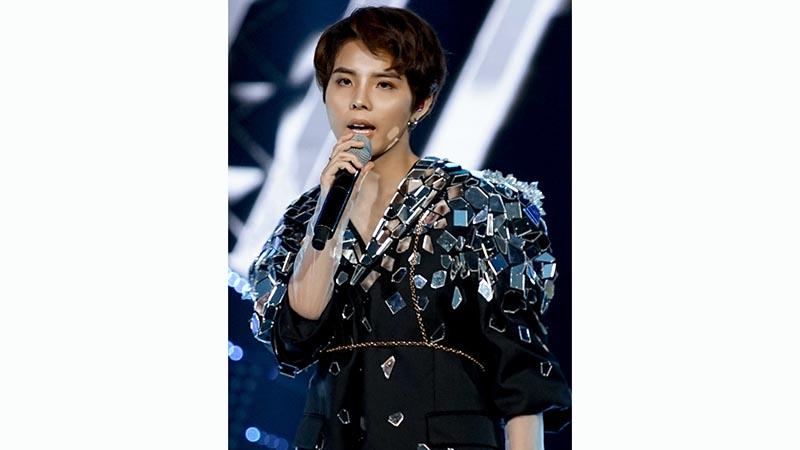 cong-hien-2019-vu-cat-tuong-quen-loi-nhe-nhung-van-cuc-sung-lon-xon-band-va-ngon-gio-day-moi-me