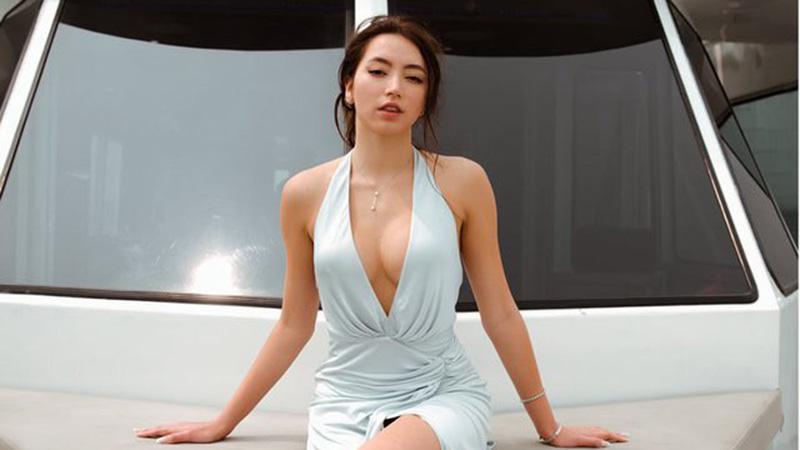 luu-huong-giang-bi-con-gai-to-can-thiep-dao-keo-hoa-hau-viet-nam-2006-khoe-vong-1-khung