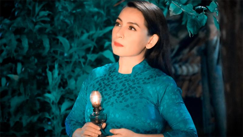 phi-nhung-co-dong-thai-moi-sau-on-ao-voi-ho-van-cuong