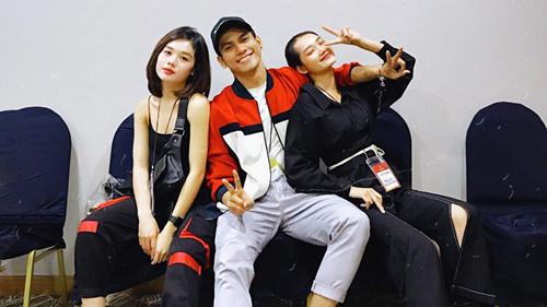 Tôn Tuấn Kiệt, Quỳnh Anh, Trâm Anh đại diện Việt Nam